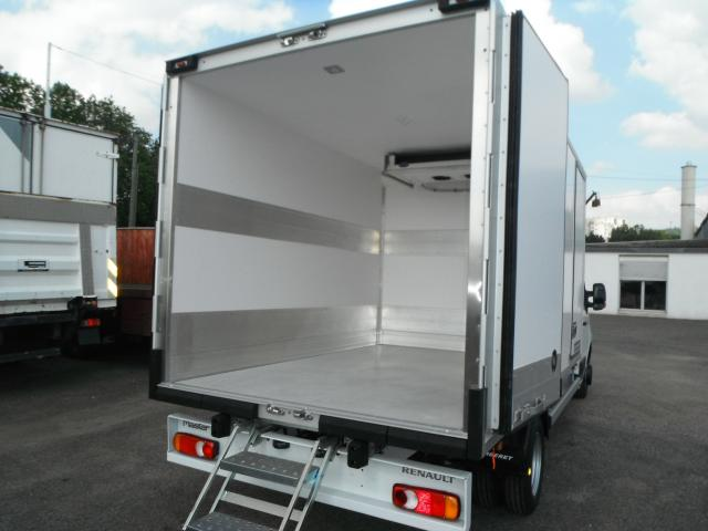 Achat renault occasion cambrai renault master occasion for Garage renault cambrai occasion